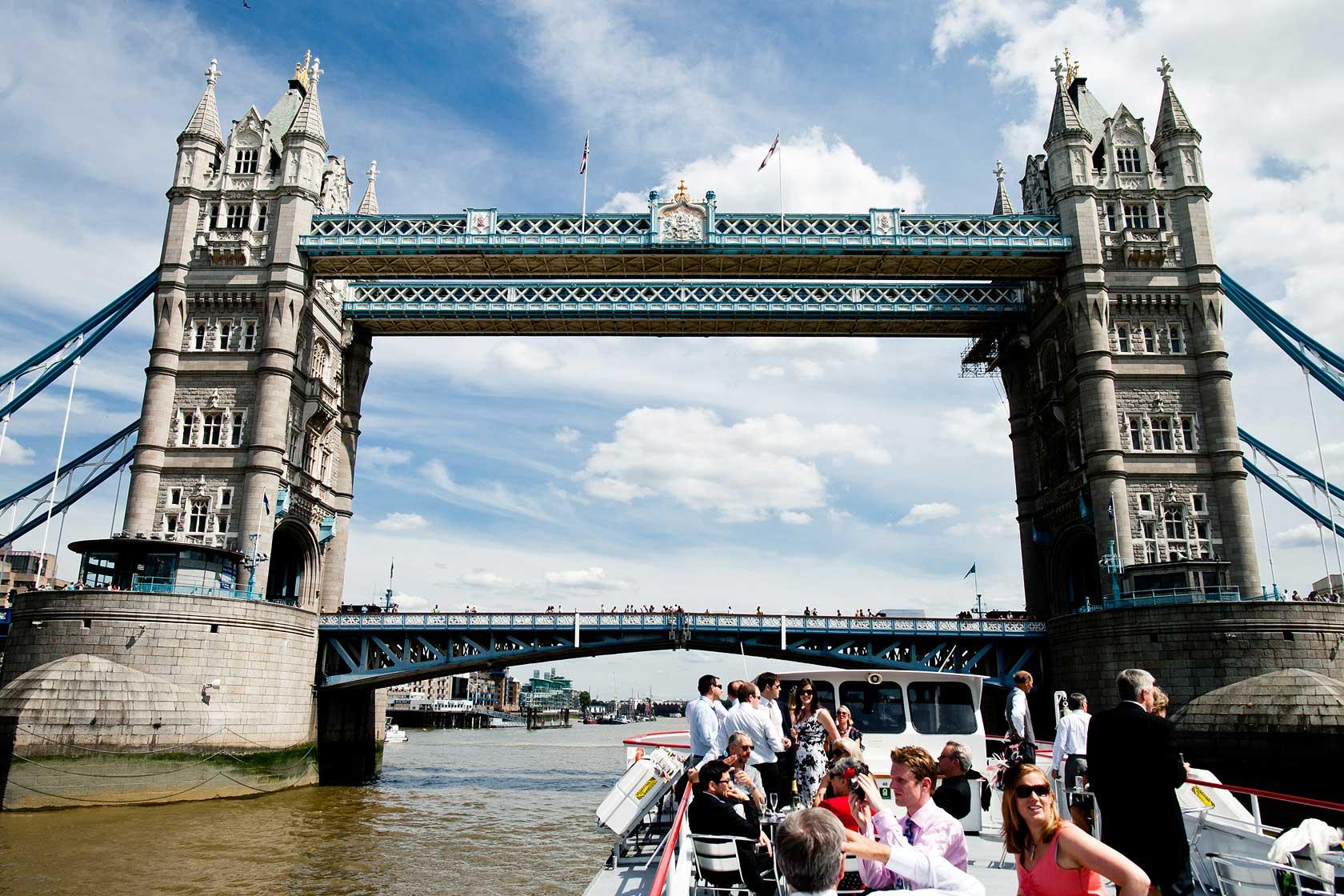 Thames Boat Wedding Photographer