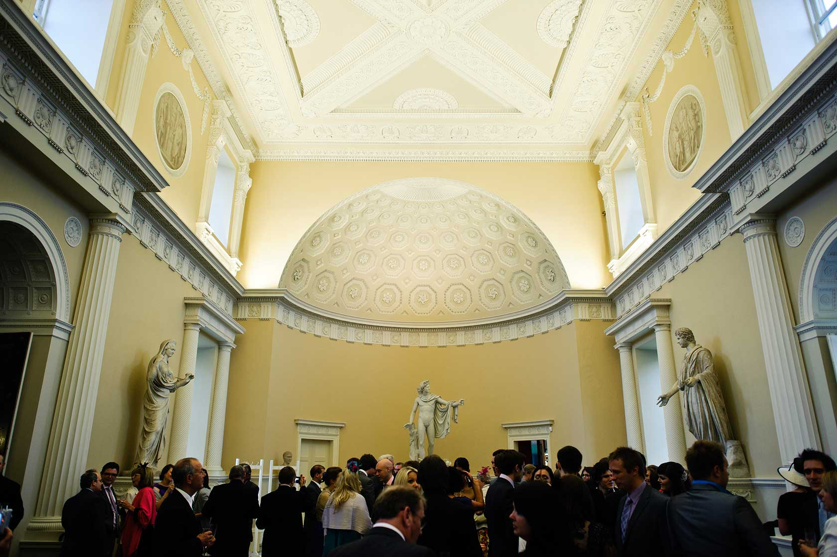 Reportage Wedding Photography in Syon House