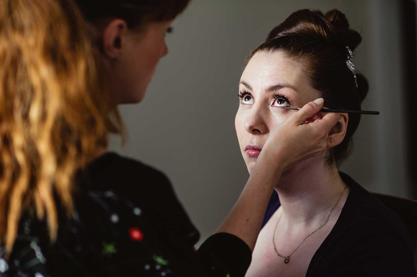 Bridal eye make-up
