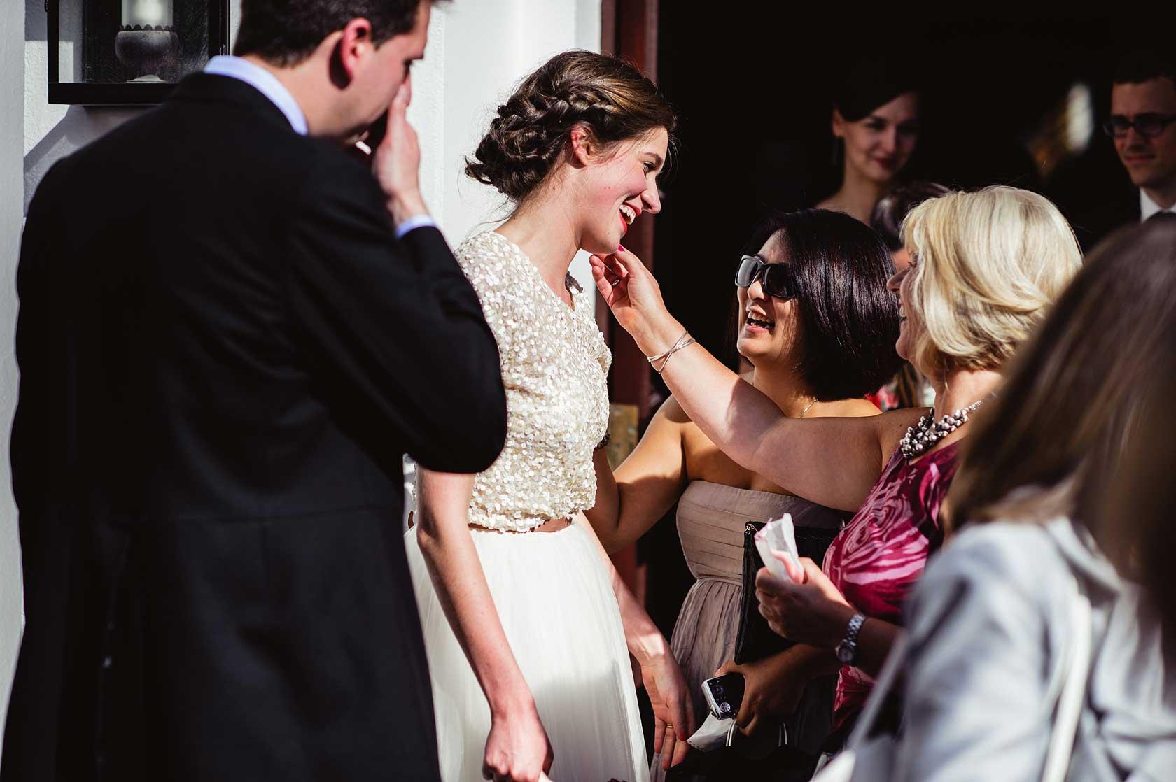 Wedding Photojournalism at Kenwood House